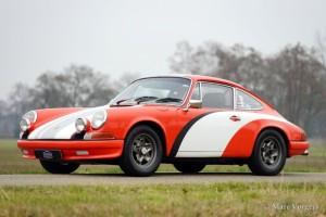 Porsche 911 2.4S Rally